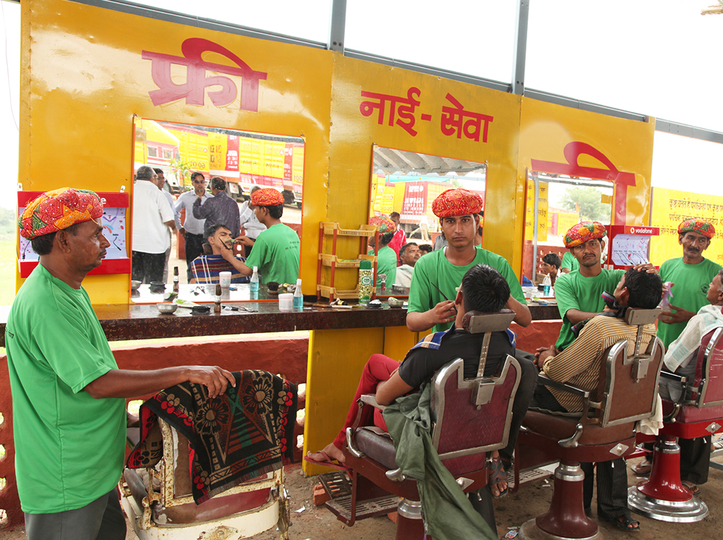 Barber facility for the drivers at Driver Seva Kendra